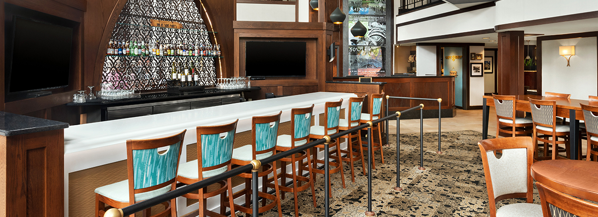 hotels with on site bar lounge south bend indiana