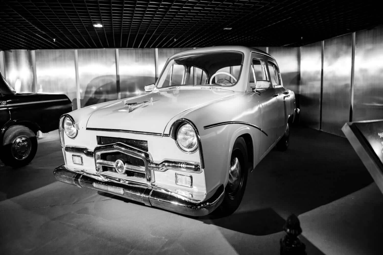 photo of car from Studabaker National Museum